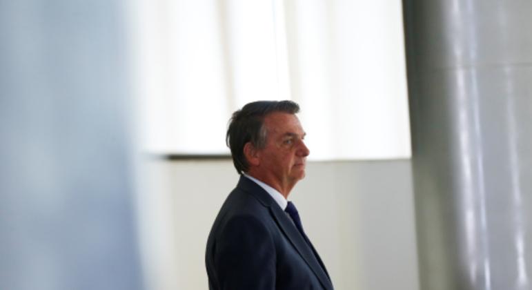 Bolsonaro edita MP que limita remoção de conteúdos nas redes sociais